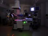 Moderner Diagnoseraum der Klinik für Urologie.