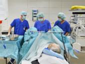 Das Team der Klinik für Urologie bei einer Operation.