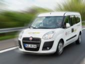 Ein Fiat Transporter des Logistikzentrums unterwegs.