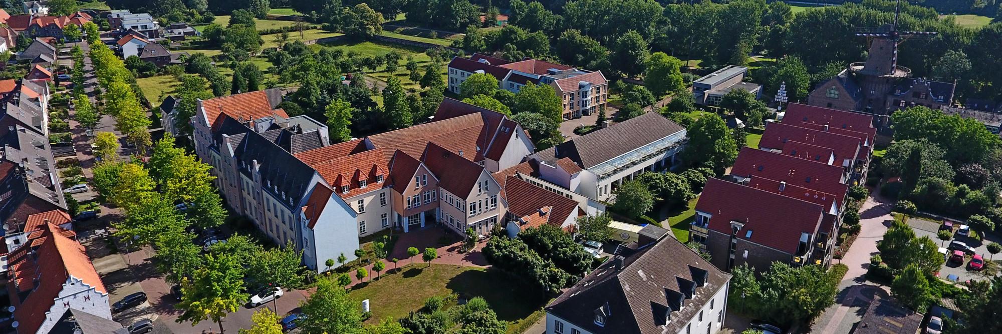 Luftaufnahme des St. Nikolaus-Hospitals Kalkar.