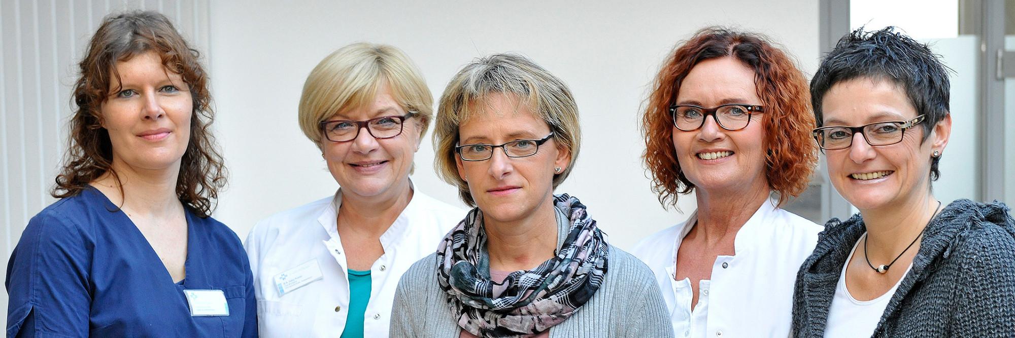 Die Patientenmanagerinnen des Katholischen Karl-Leisner-Klinikums von links nach rechts: Simone Lakin, Gaby Küster, Margit Wolhorn, Susanne Dieckmann-Leuchtgens und Patricia Pawlowski.
