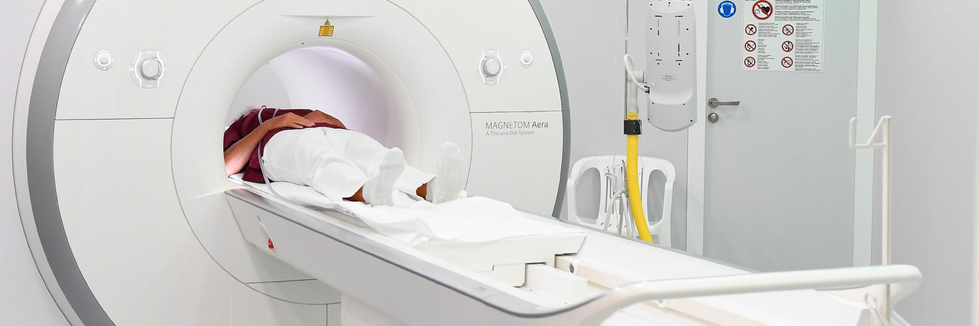 Ein MRT im St.-Antonius-Hospital mit Kleve hat eine besonders große Öffnung. Davon profitieren vor allem Kinder und Patienten mit Platzangst.