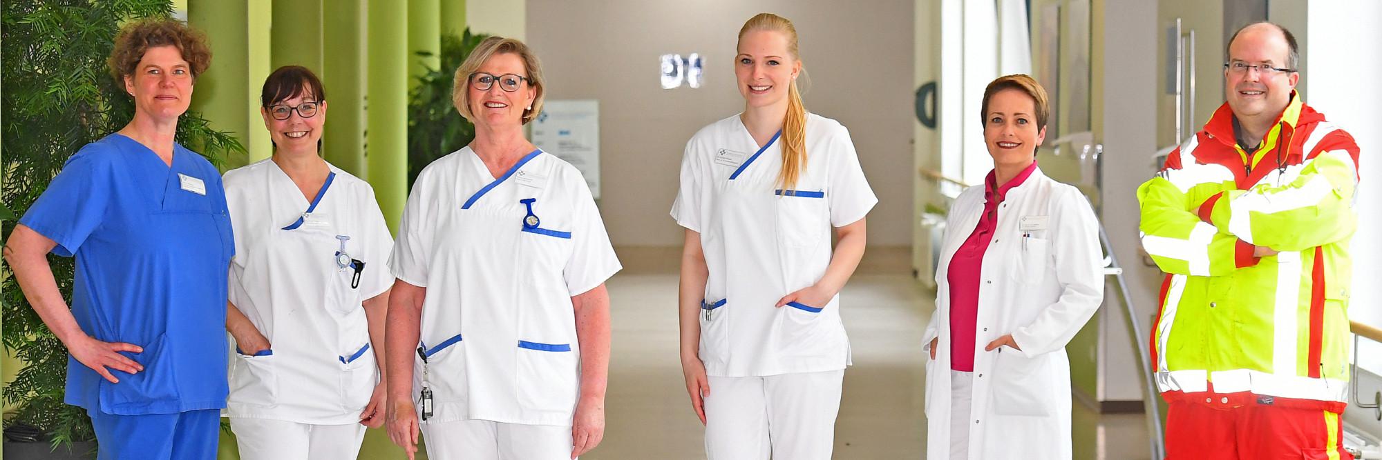 Ärzte und Pflegepersonal des Katholischen Karl-Leisner-Klinikums im Gruppenbild.