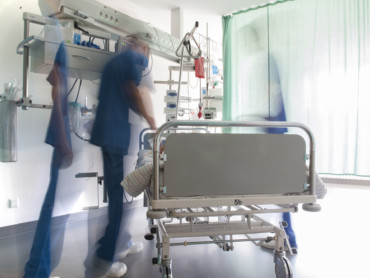 Eine langzeitbelichtete Aufnahme von der Intensivstation des Marienhospitals Kevelaer.