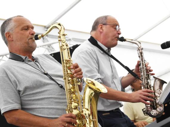 Jazzige Zwischentöne: Dr. Jochen Rübo, Chefarzt der Kinderklinik, am Saxofon.