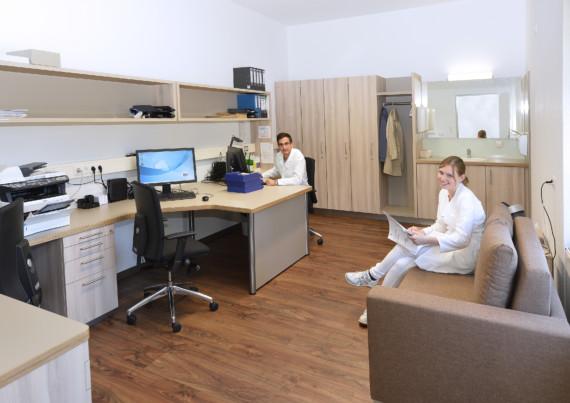 Bestens ausgestattet: Der Arbeitsraum der PJ-Studenten im St.-Antonius-Hospital Kleve.