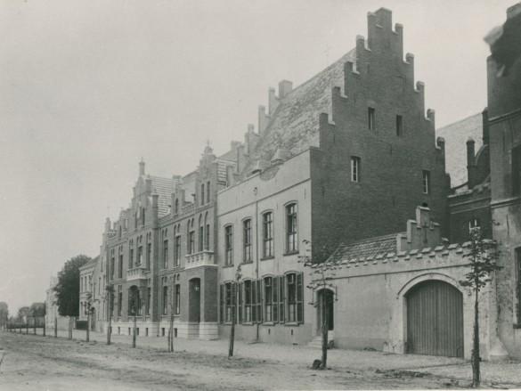 Historische Aufnahme des St. Nikolaus-Hospitals.