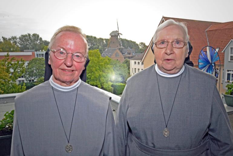 Die letzten Clemensschwestern des St. Nikolaus-Hospitals Kalkar: Schwester Gisleidis und Schwester Reinilde.