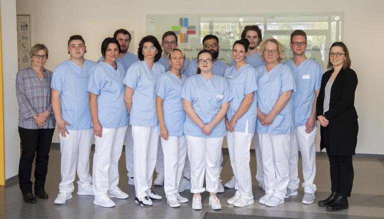 Absolventen der einjährigen Ausbildung zum Pflegeassistenten.